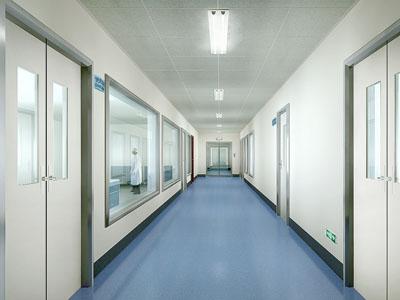 避免尘埃吸附洁净手术室的方式